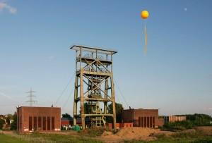 SchachtZeichen-Ballon über Schacht Gneisenau 4