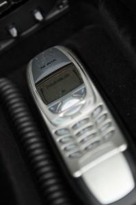 Nokia 6310i in der Freisprecheinrichtung