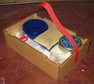 Fertiggestellte und bereits eingeräumte Kleinteile-Kiste der Autopflege-L-Boxx