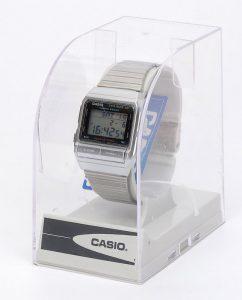 """Digitale Armbanduhr Casio DB-520 """"Data Bank 50"""" in der Verpackung. (Der Pappschuber drumherum fehlt auf dem Foto.)"""