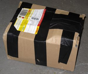 Paket mit Beule